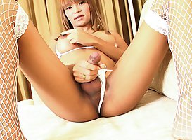 Natt: Thick Rod Stroking
